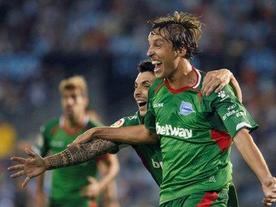 El Alavés prolonga la crisis del Celta de Junior Alonso