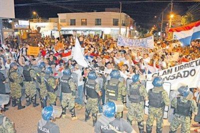 Aumenta la presión de los ciudadanos contra Urbieta