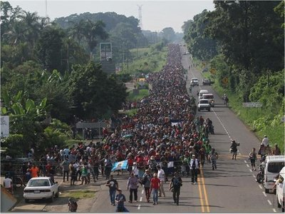 Guatemala logra retorno de casi 1.000 migrantes hondureños