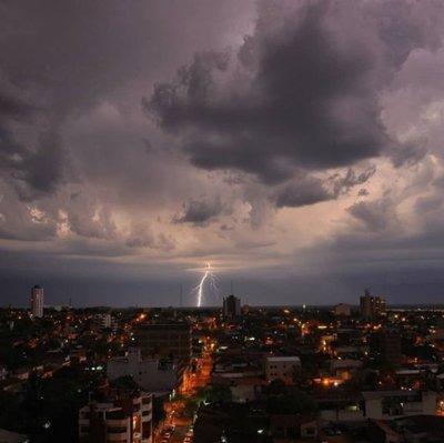 Anuncian un martes con tormentas eléctricas