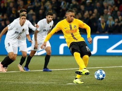 Valencia empata y complica su situación Champions