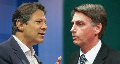 Haddad ofrece educación en vez de armas y Bolsonaro sigue recabando apoyos