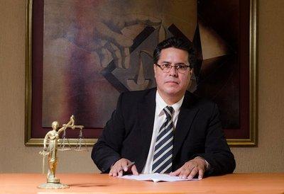 Fiscalía imputa a subcomisario de la Policía Nacional