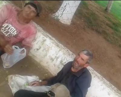 Dos indigentes fueron arreados para completar auditorio de Tati Urbieta, durante rendición de cuentas (video)