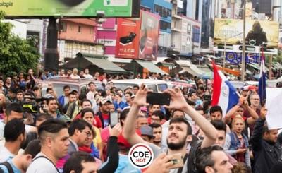 Manifestantes se trasladan a la capital este miércoles