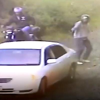 Corajudo cambista evita asaltó al hacer maniobra evasiva con su automóvil