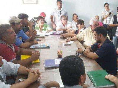 Exigen a concejales de Concepción pedir la intervención de la Comuna