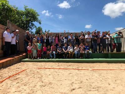 Inauguran centro comunitario y parque en barrio Saltos del Monday
