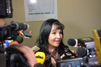 Senadora Bajac se desentiende del conflicto en Concepción