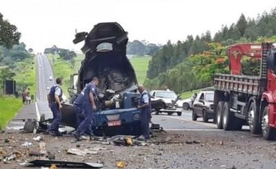 Explotan camión blindado en Brasil