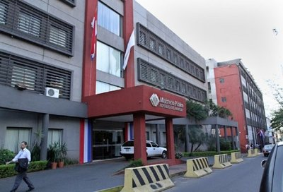 Desde hoy, en todo el país, se inicia la huelga de funcionarios fiscales – Prensa 5
