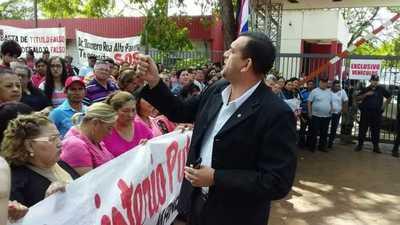 """Zacariístas se manifestaron a favor de su """"lider"""" y McLeod"""