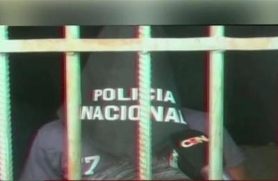 Un presunto delincuente es detenido por un grupo de vecinos
