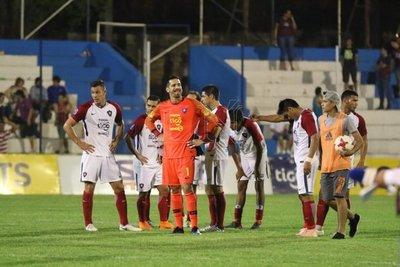 Un solo triunfo en los últimos seis partido de Cerro