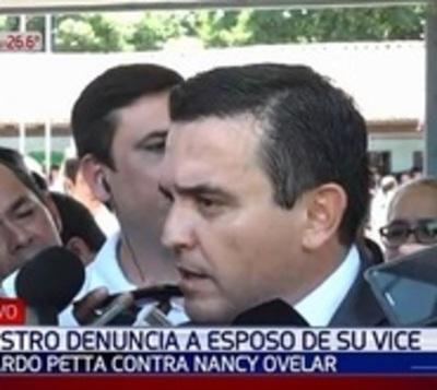 Petta pide madurez a viceministra y que no se oponga a investigación