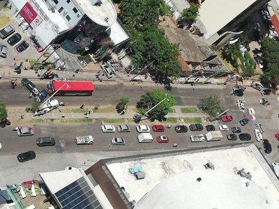 Bus embistió a diez vehículos en Asunción