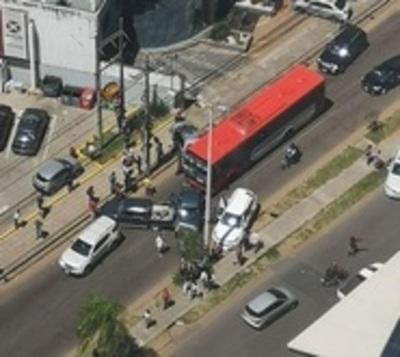 Múltiple choque en Santa Teresa: 10 vehículos involucrados
