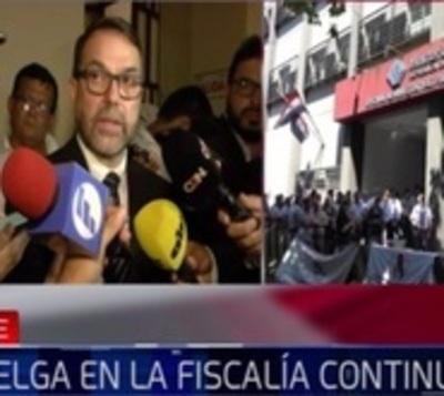 """Conversaciones entre Fiscalía y Hacienda """"son difíciles, pero avanzan"""""""