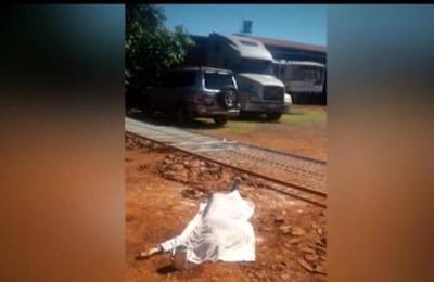 Mujer muere aplastada por un portón en Guazú