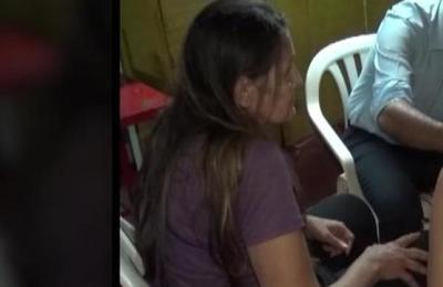 Mujer es brutalmente agredida por un vecino