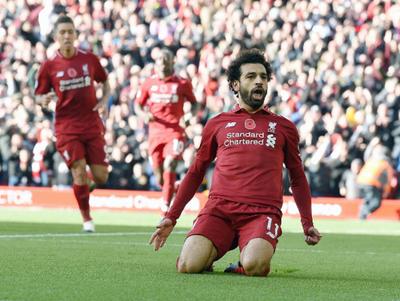 Liverpool derrota a Fulham y es líder provisorio