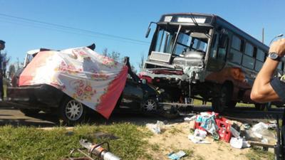 Violento accidente deja un muerto y 7 heridos