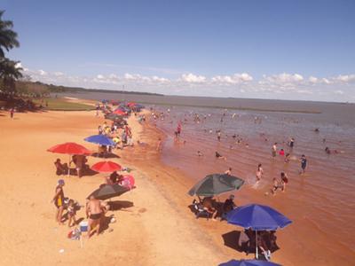 Comienza masiva concurrencia de  bañistas a playa de Hernandarias