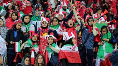 Permiten a mujeres de Irán presenciar un partido de fútbol
