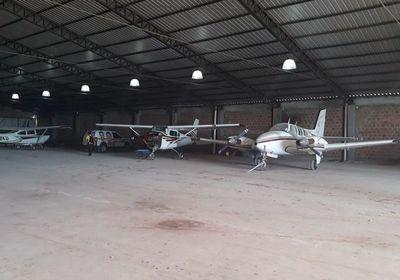 D'Ecclesiis alega que plantaron droga en avionetas