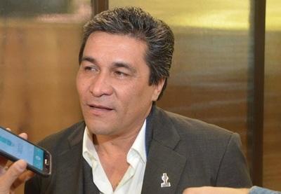 Lanzoni no concuerda con aumentar el impuesto al tabaco, las bebidas y la soja