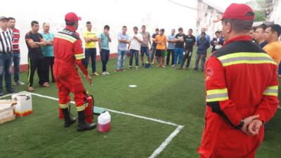 Rescatistas instruyen a reclusos de Tacumbú sobre uso de extintores