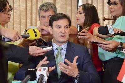 "Ovelar espera que la crisis en el MEC no se convierta en una ""fractura"""
