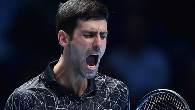 Djokovic gana sin sobresaltos ante Isner en el Masters
