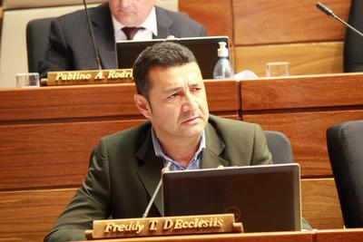 """Apellido D'Ecclesiis, signado por el """"narco"""", dice Giuzzio"""