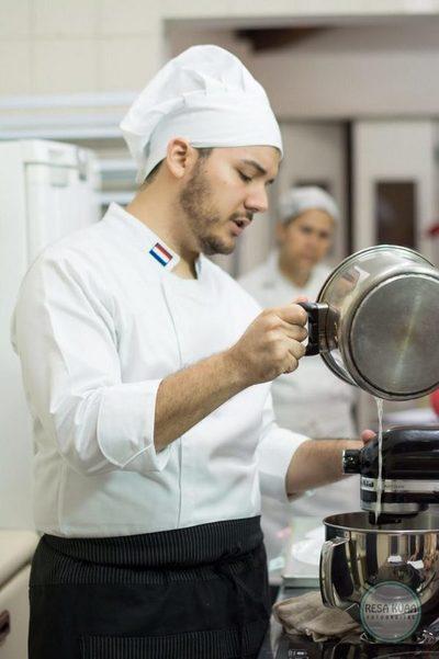 Pasteles y café con sabores artesanales