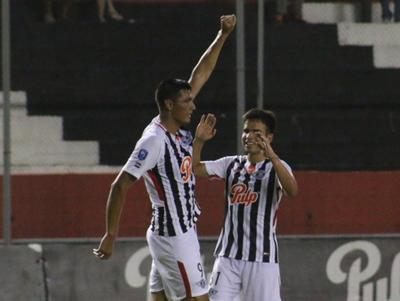 Óscar Cardozo anota el mejor gol de la fecha