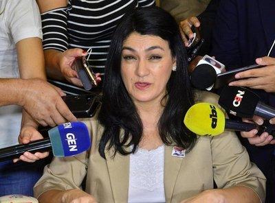 Destituyen a Nancy Ovelar tras roce con Petta – Prensa 5