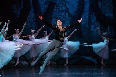 Estudiantes de danza tendrán descuento en entradas para show de Iñaki Urlezaga