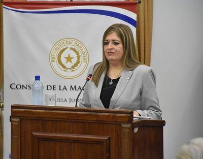 Exigirán juicio político para la fiscal general del Estado, Sandra Quiñonez