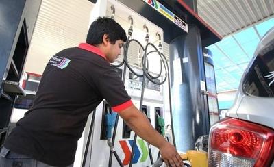 HOY / Combustible y dólar bajan en el mundo, mientras Petropar hace oídos sordos y 'lente oscuro'