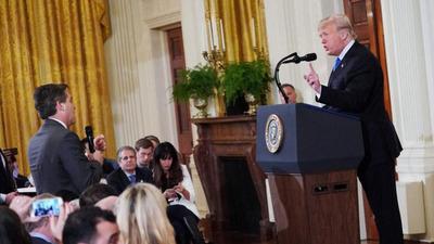 Casa Blanca defiende su poder para negar entrada a periodistas