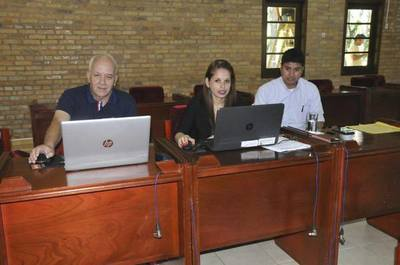 Funcionarios de comuna esteña prohibieron ingreso a profesionales de la Contraloría