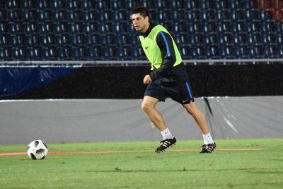 La continuidad de Rodrigo Rojas se definiría tras el amistoso de la Albirroja