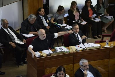 """""""Show para no votar impuesto al tabaco"""" – Prensa 5"""