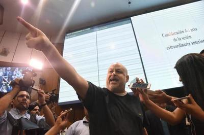 """Payo Cubas: """"Casi 3.000 personas veían la transmisión, no habrá sesión secreta"""""""