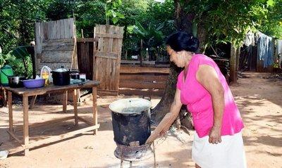 Indigente no califica para pensión para pobres, pero un empresario sí