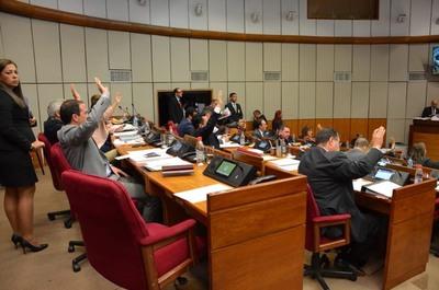 Senado postergó impuesto a la soja, tabaco y bebidas