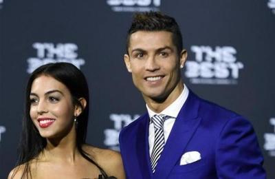 Cristiano Ronaldo le pide matrimonio a Georgina Rodríguez y ella ha dicho ''sí''