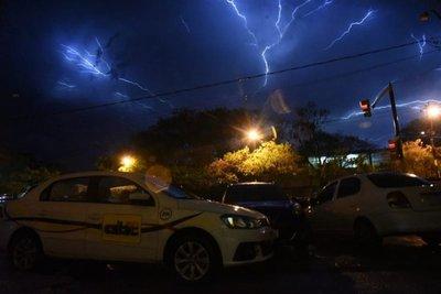 Alerta por tormentas para seis departamentos