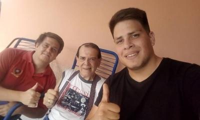 """HOY /  Carlitos Vera no estaba muerto:  """"Me fui de parranda nomás, no  estaba en la lista de San Pedro"""""""